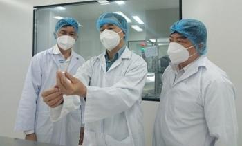 Báo cáo về vaccine Nano Covax: Tạo kháng thể cao gấp 10 lần người khỏi COVID-19