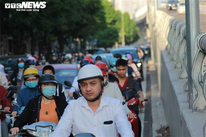 Đề xuất giảm tốc độ trong khu đông dân cư xuống 30km/h: Chuyên gia chỉ bất cập - 1
