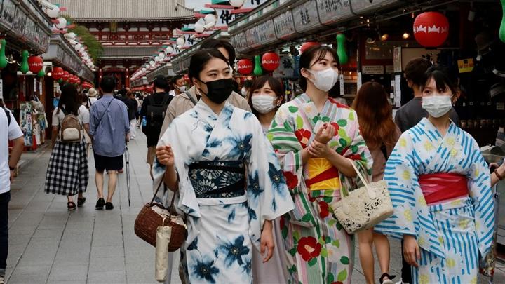 Ca nhiễm mới tăng nhanh, chuyên gia cảnh báo 'thảm họa' COVID-19 tại Nhật Bản  - 1