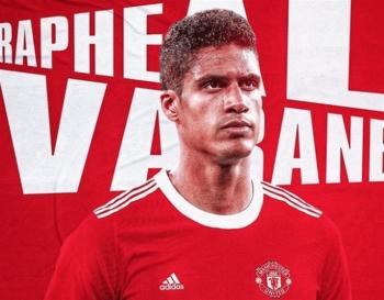 Vì sao Varane chưa thể ra mắt Man Utd?