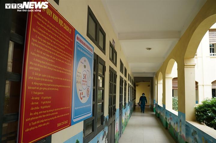 Cận cảnh các ngôi trường ở ngoại thành Hà Nội được trưng dụng làm khu cách ly - 2