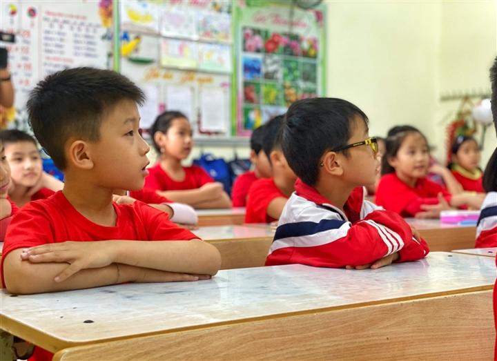 Học sinh không kịp trở lại trường do COVID-19 có thể học tại nơi cư trú - 1