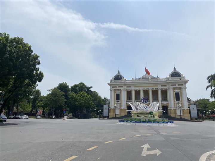 Hà Nội kéo dài giãn cách xã hội đến ngày 6/9 - 1