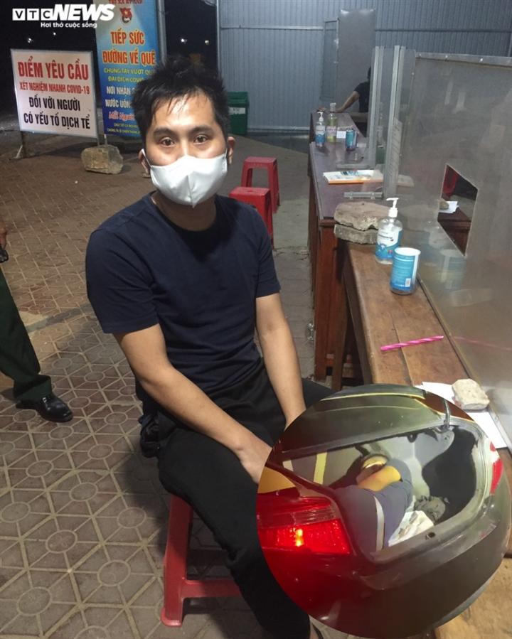 Người đàn ông Trung Quốc trốn trong cốp ôtô để qua chốt phòng dịch - 1