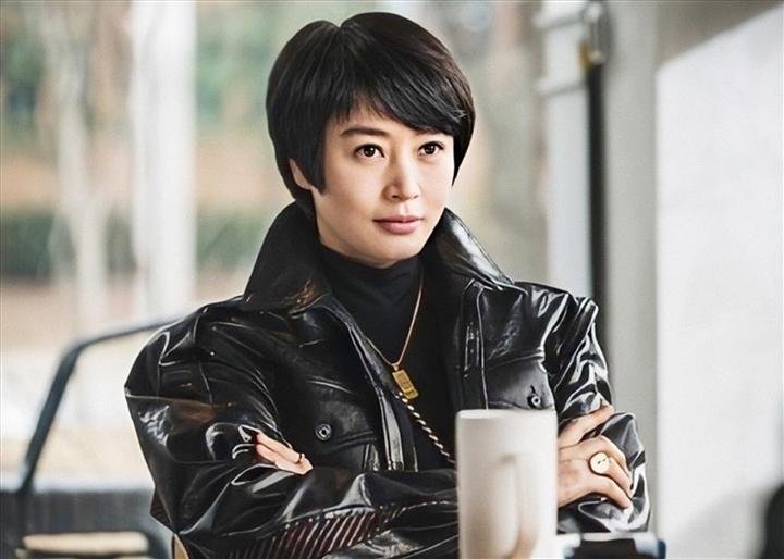 'Chị đại' của showbiz Hàn: Quyền lực trong showbiz nhưng khốn đốn vì mẹ - 7