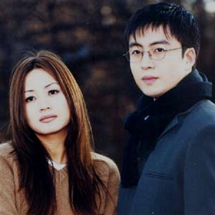 'Chị đại' của showbiz Hàn: Quyền lực trong showbiz nhưng khốn đốn vì mẹ - 4