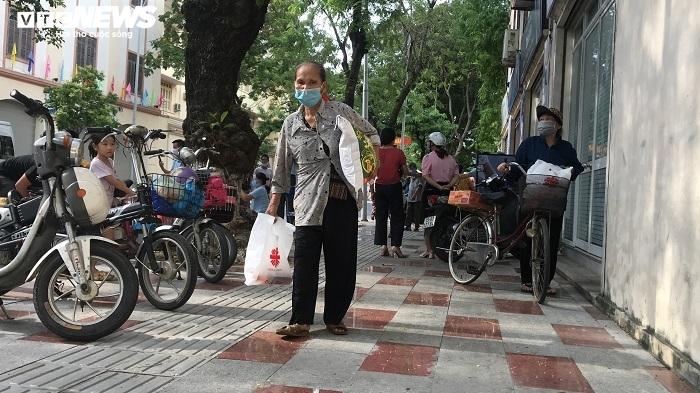 Siêu thị '0 đồng' ở Hải Phòng lan toả yêu thương tới người nghèo trong mùa dịch - 5