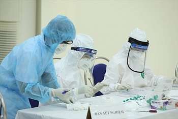 Hà Nội: Đến khám tại Bệnh viện Hồng Ngọc, 2 mẹ con dương tính SARS-CoV-2