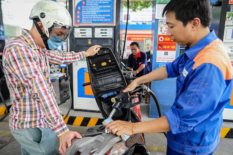 Giá xăng sẽ giảm mạnh?