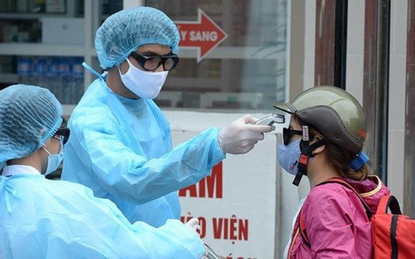 Thấy mệt mỏi, 2 người Hà Nội đi khám mới biết dương tính SARS-CoV-2