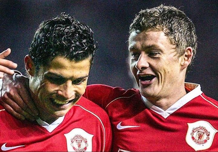 Ronaldo trở lại Man Utd: Nghe lời Sir Alex, lật kèo ngoạn mục như phim hành động - 3