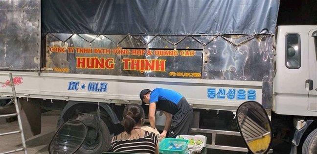 tieu thuong cho long bien ho he to cao bao ke mang ca thoi rac thai chan duong lam an