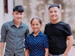 ba tan vlog co the kiem 400 trieuthang hai con trai cung la youtuber