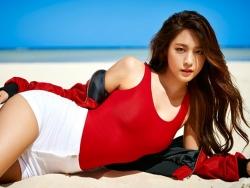 Bốn nữ thần tượng có thân hình quyến rũ của Kpop