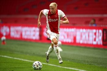 """Solskjaer sẽ """"xào nấu"""" Man United thế nào với Van de Beek?"""