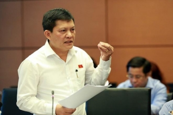 TP.HCM sẽ đình chỉ công tác ông Phạm Phú Quốc có 2 quốc tịch trong tháng 9
