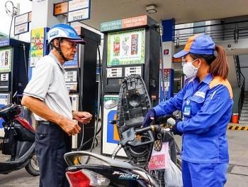 Ngày mai, giá xăng có giảm sâu?