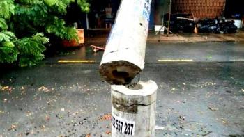 Hình ảnh cột điện không lõi gãy ngang trong bão số 5: Điện lực nói gì?