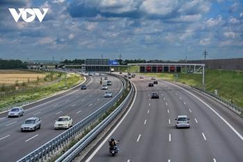 """Xây dựng cao tốc Bắc-Nam: Bộ GTVT """"nhờ"""" Bộ Công an phối hợp giám sát"""