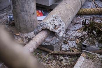 Hàng trăm cột điện bị đổ gãy: Chất lượng có đảm bảo?