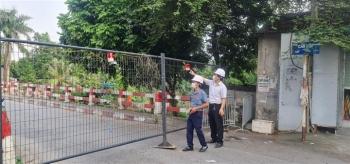 Hà Nội yêu cầu người dân không di chuyển qua các cầu có chốt cứng rào chắn