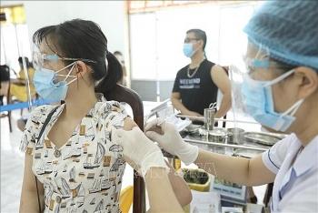 Hà Nội đạt kỉ lục chưa từng có về tiêm chủng vaccine COVID-19