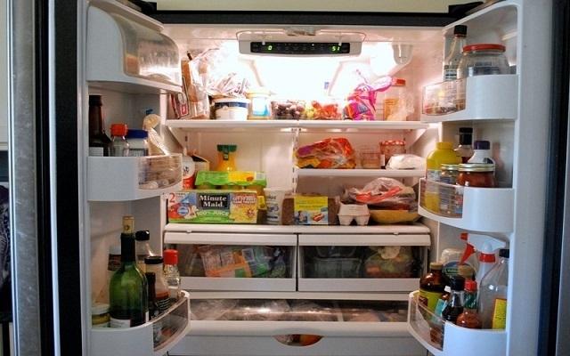 Tích trữ thực phẩm sai cách trong tủ lạnh nguy hại ra sao?