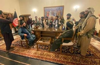 Lãnh đạo Taliban cãi cọ, cấp dưới ẩu đả trong dinh tổng thống Afghanistan
