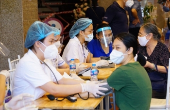 Sáng nay Hà Nội có 2 ca mắc mới, hơn 6,25 triệu liều vaccine được tiêm