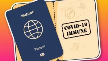"""Khó khăn trong việc áp dụng """"thẻ xanh"""" và hộ chiếu vaccine"""