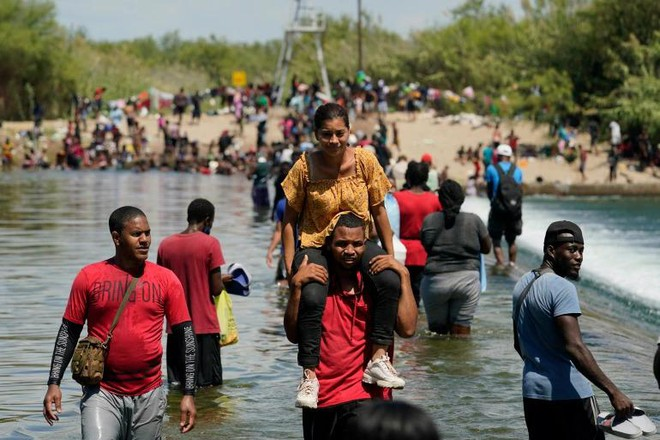 Động cơ khiến hàng nghìn người di cư Haiti ào ạt đổ sang nước Mỹ
