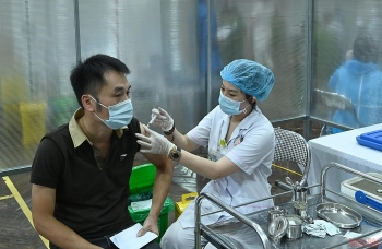 Người dân đã tiêm đủ vaccine sẽ được tham gia sản xuất, lưu thông