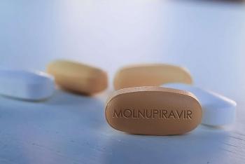 Những loại thuốc uống điều trị COVID-19 đầy triển vọng