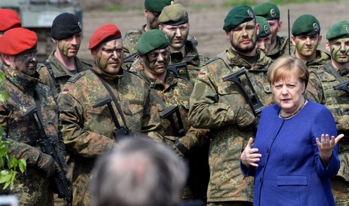 Tổng thống Biden đang đẩy NATO đến bờ vực, châu Âu đến lúc cần quân đội riêng? - 3