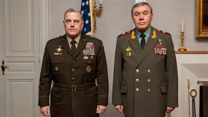 Tổng thống Biden đang đẩy NATO đến bờ vực, châu Âu đến lúc cần quân đội riêng? - 1