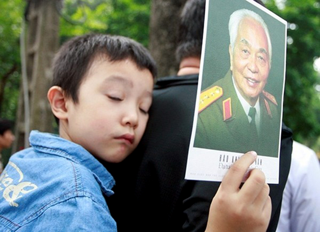 anh tron 5 nam dai tuong vo nguyen giap ve voi dat me