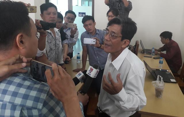 Chủ tịch TP.HCM: Thành phố hết lòng vì quyền lợi chính đáng của dân