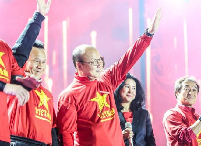 bao han cong phuong lam duoc gi viet nam vs malaysia hay tin thay park