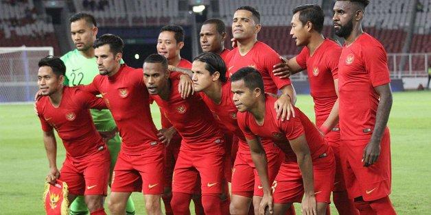 quyet thang tuyen viet nam cau thu indonesia keu goi fan den co vu