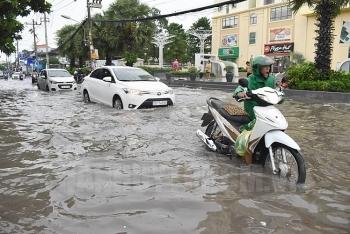 Thời tiết 8/10: Trung Bộ mưa lớn kéo dài, đề phòng ngập lụt