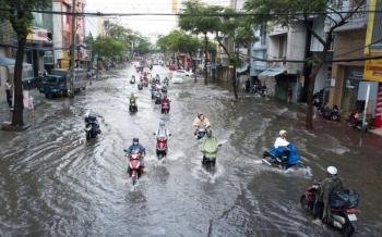 Thời tiết 16/10: Miền Trung mưa lớn, Bắc Bộ giảm mưa