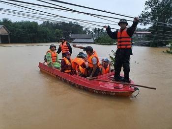 Thời tiết 25/10: Ảnh hưởng bão số 8, miền Trung mưa lớn