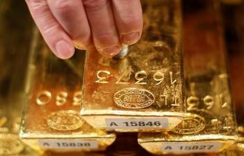 Giá vàng 25/10: Thị trường trầm lắng