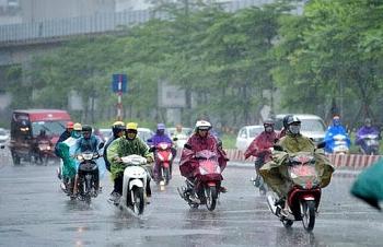 Thời tiết 26/10: Bão Molave mạnh thêm, cảnh báo mưa dông, gió mạnh