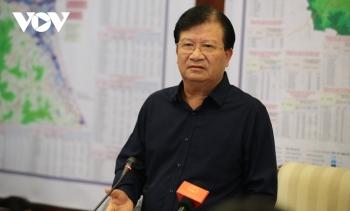 """Phó Thủ tướng Trịnh Đình Dũng: """"Tranh thủ từng giờ sơ tán dân, tìm kiếm 2 tàu mất tích"""""""