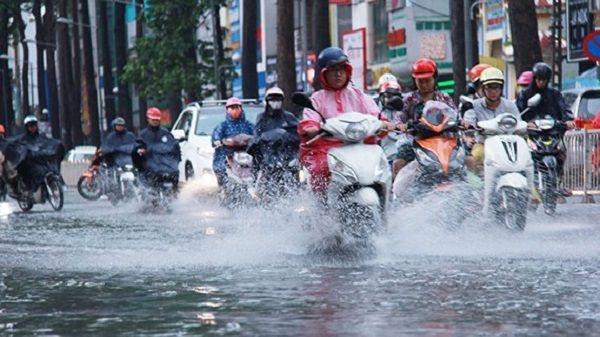 Thời tiết 7/10: Ảnh hưởng của áp thấp nhiệt đới, miền Trung mưa lớn