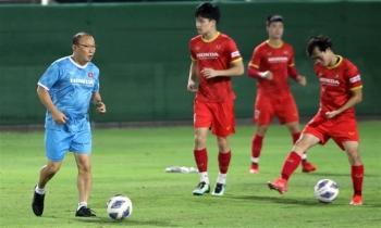 """HLV Park Hang Seo phủ nhận chê """"cầu thủ Trung  Quốc chỉ trụ được 30 phút"""""""