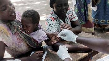 Vaccine sốt rét đầu tiên có gì đặc biệt?