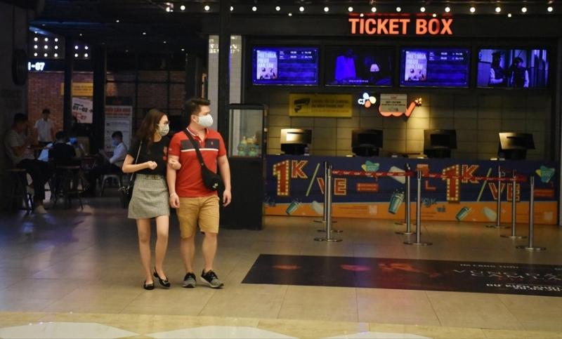 Rạp chiếu phim, du lịch sẽ hoạt động trở lại?
