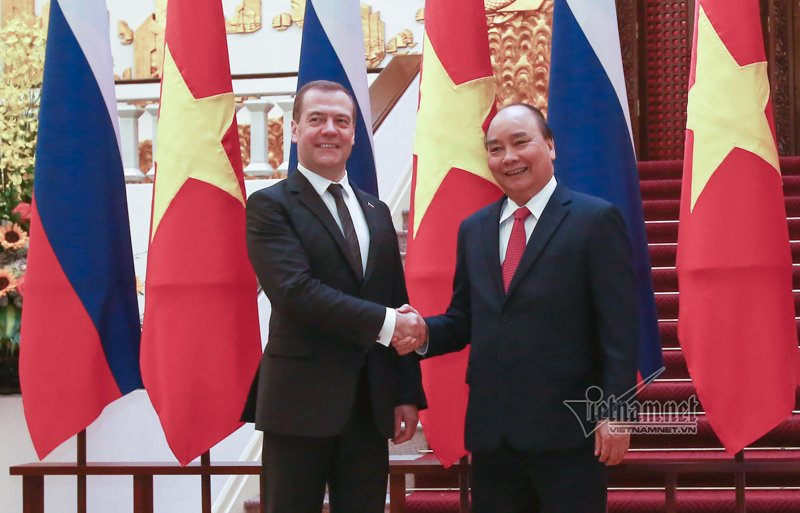 hinh anh le don chinh thuc thu tuong medvedev tham viet nam
